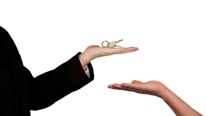 Брокер по недвижимости - стоит ли его нанимать?