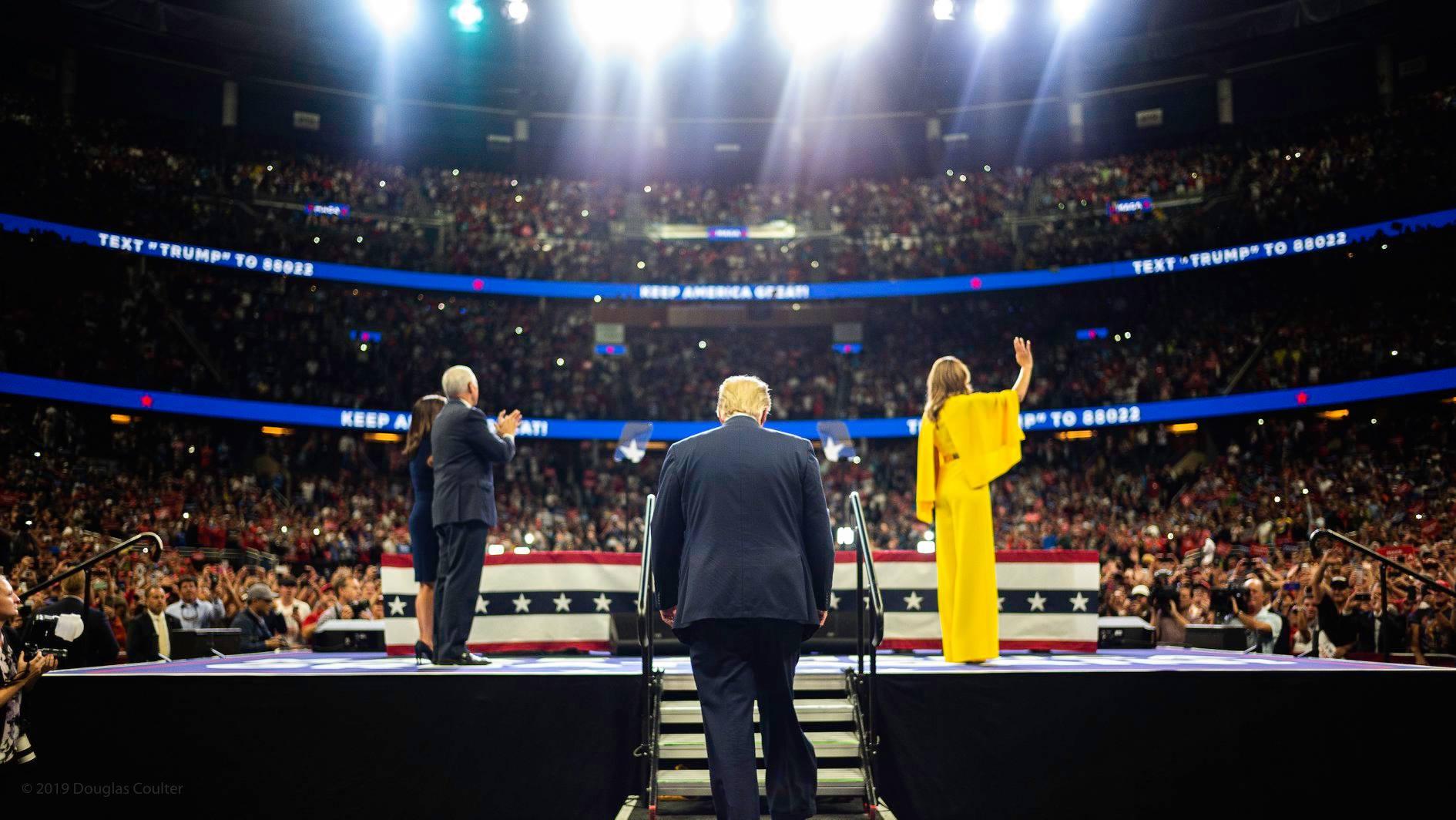 Трамп призвал немедленно начать процесс по импичменту