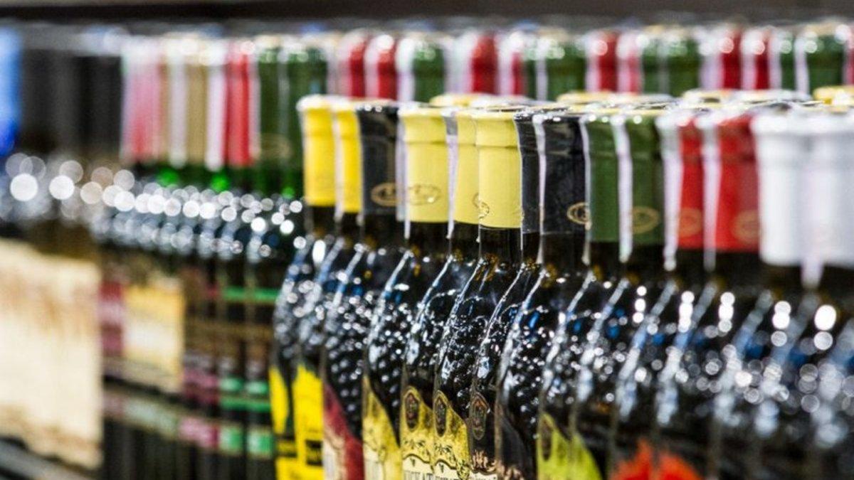 Киевсовет хочет запретить продажу алкоголя в жилых домах