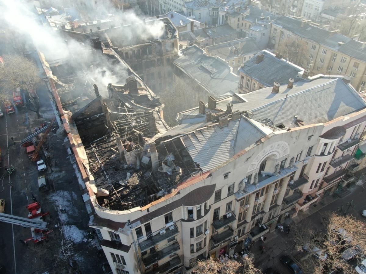 После пожара в одесском колледже лечатся шесть человек