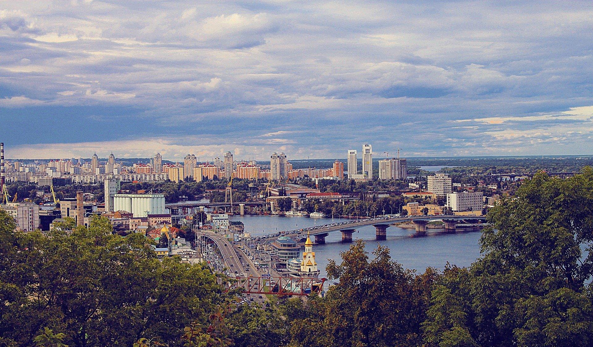 Парки закатают в бетон, пешеходов закопают в землю - о новом генплане Киева