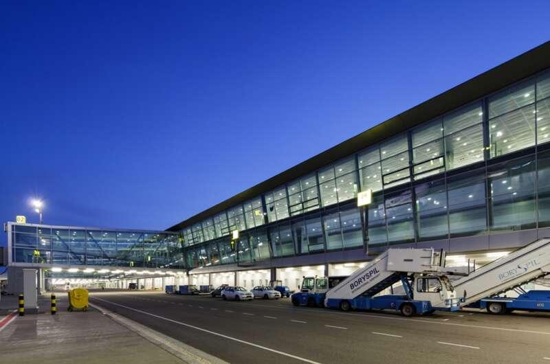 В аэропортах Украины решили установить лаборатории ПЦР-тестирования-800x530