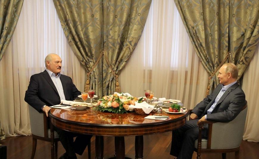 Путин пообещал Лукашенко кредит в 1,5 миллиарда долларов