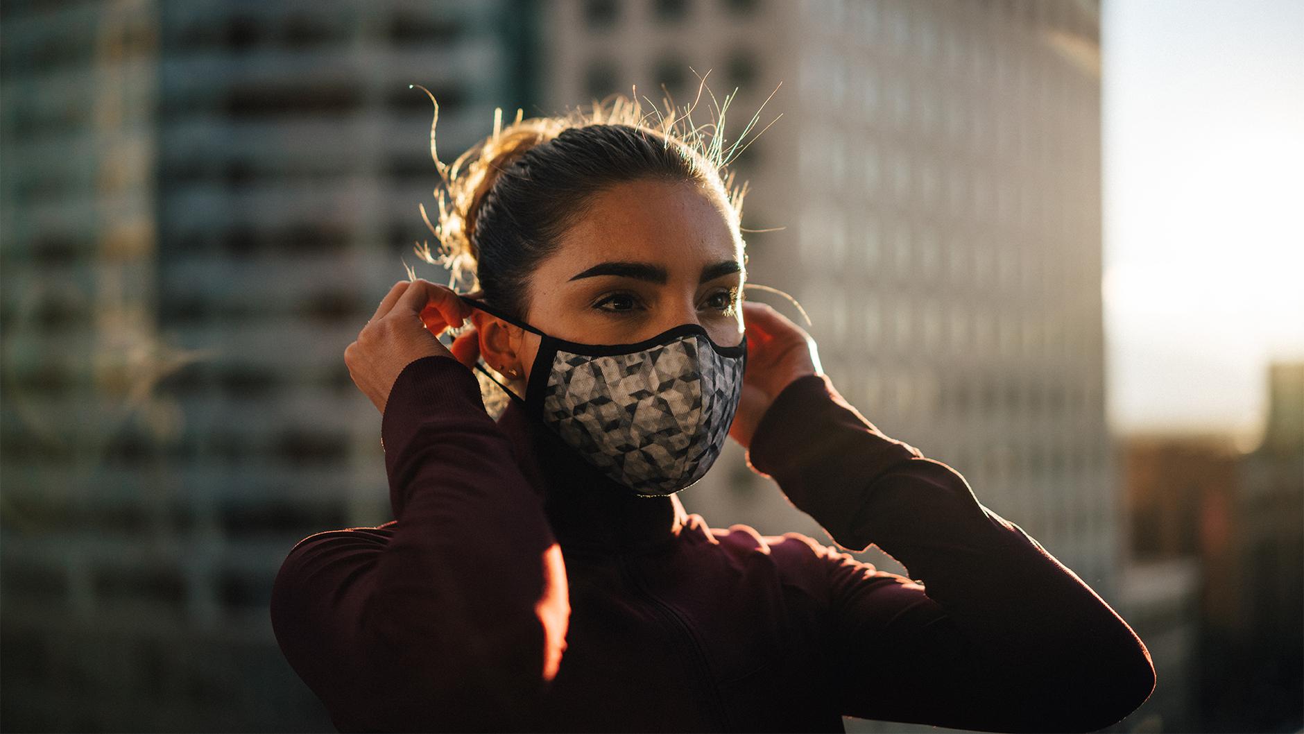 Как сшить простые маски от коронавируса своими руками