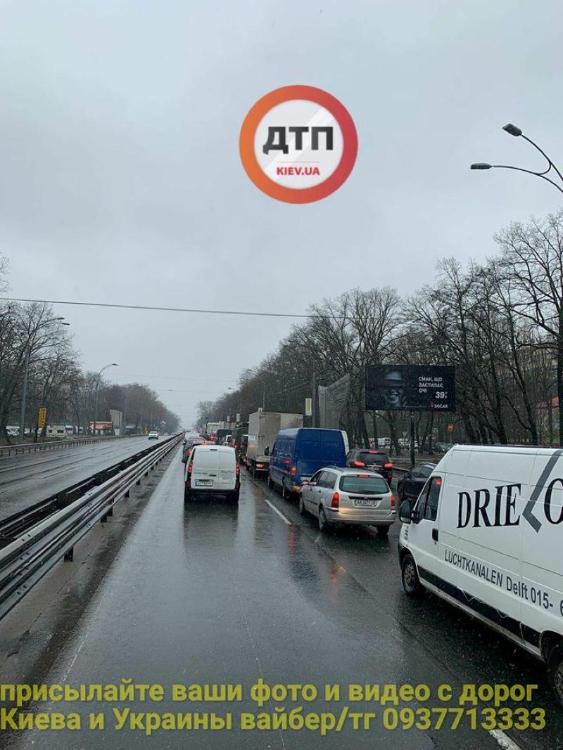 За 150 грн імітують невдоволення - активісти перекрили трасу Київ-Одеса - фото 3
