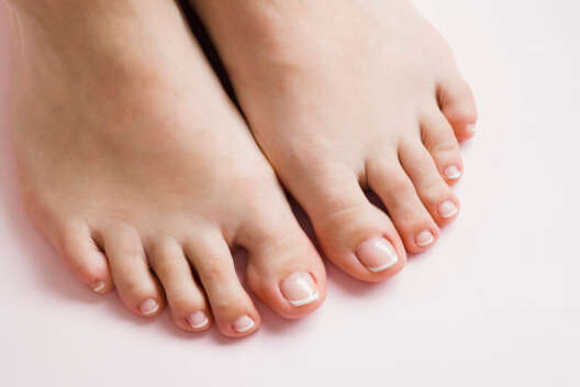 Грибок на ногах: лечение грибка, мази и средства от грибка
