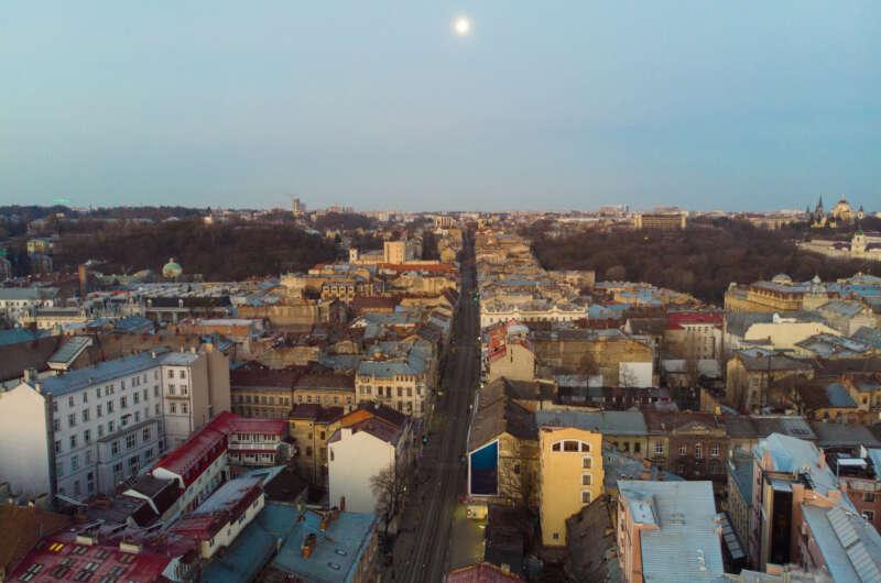 Режим жестких ограничений в Украине - какие области пошли на крайние меры-800x530