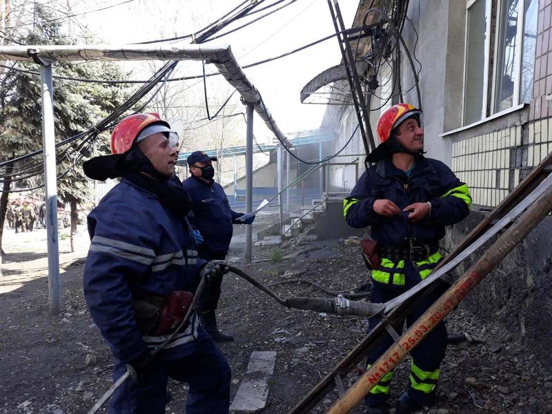 Горели одежда и потолок - из шахты под Днепром спасли почти 600 человек - фото 1