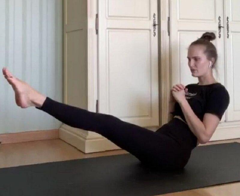 Тренировка от звезды: комплекс упражнений от топ-модели Аллы Костромичевой - фото 5