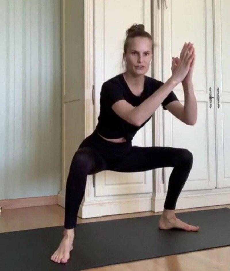 Тренировка от звезды: комплекс упражнений от топ-модели Аллы Костромичевой - фото 13