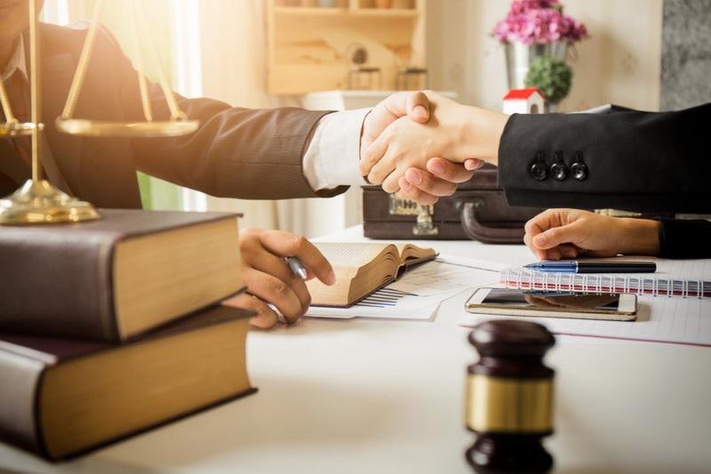 Юрист и бухгалтер