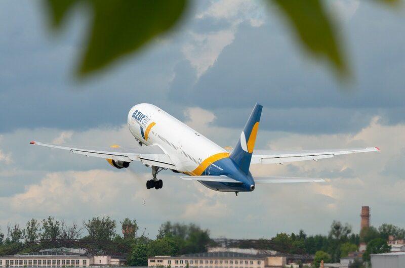 Шмыгаль рассказал, когда в Украине вновь начнут летать самолеты-800x530
