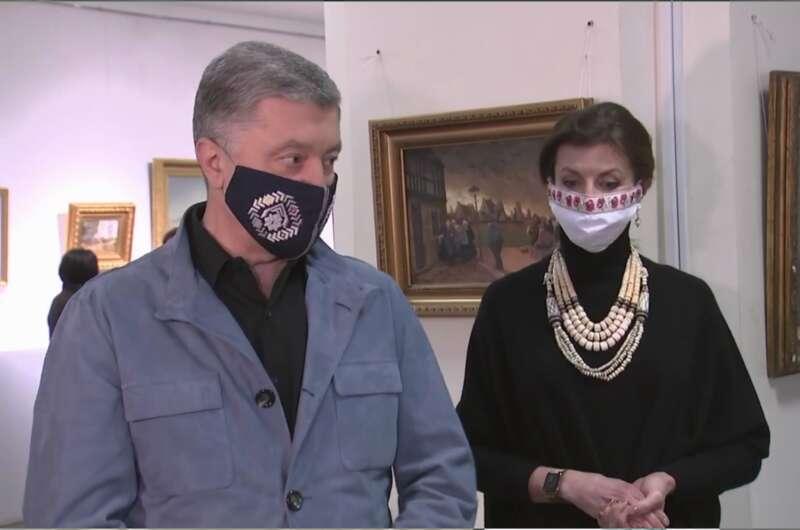 Порошенко позвал украинцев в музей вопреки карантину-800x530