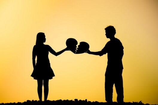 Как пережить расставание: психологи объяснили состояние и как справляться-1200x800