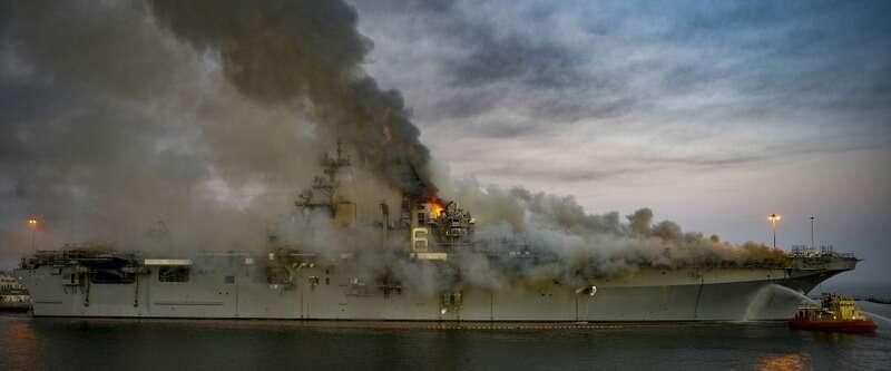 На десантном корабле в США случился взрыв. Судно будет греть несколько дней-800x530