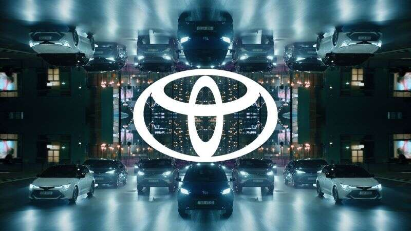 Новая эра- Toyota изменила логотип-800x530