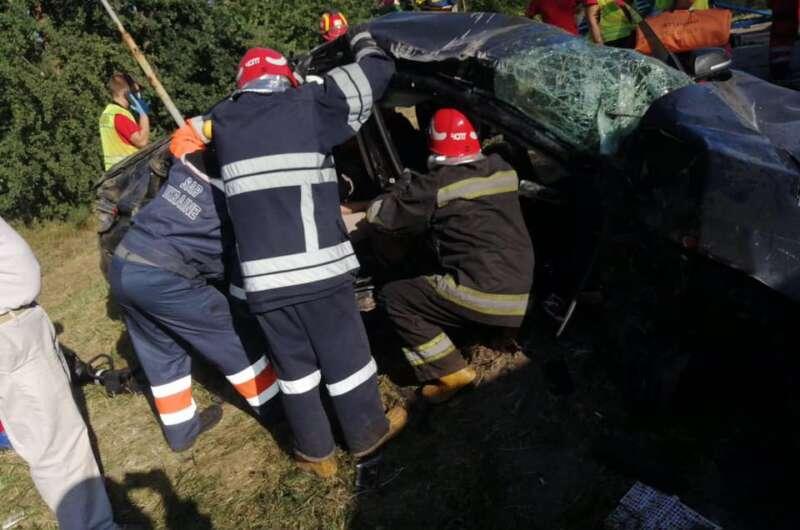 Смертельное шоссе - под Киевом произошло серьезное ДТП с погибшими-800x530