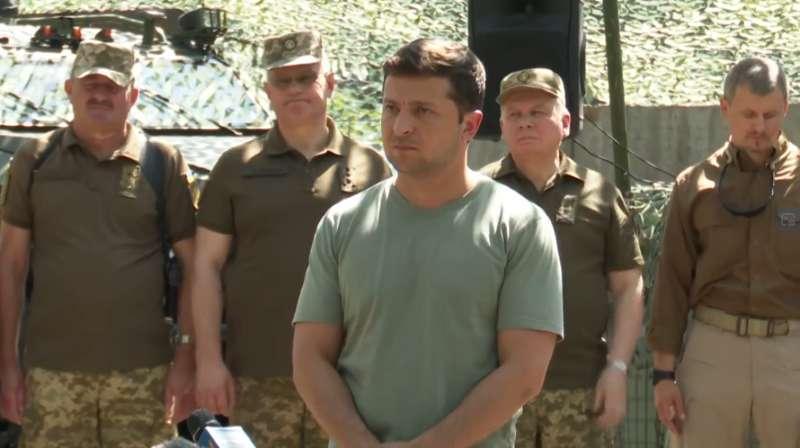 Гарантировать не могу, держу кулаки - Зеленский о режиме тишины на Донбассе-800x530