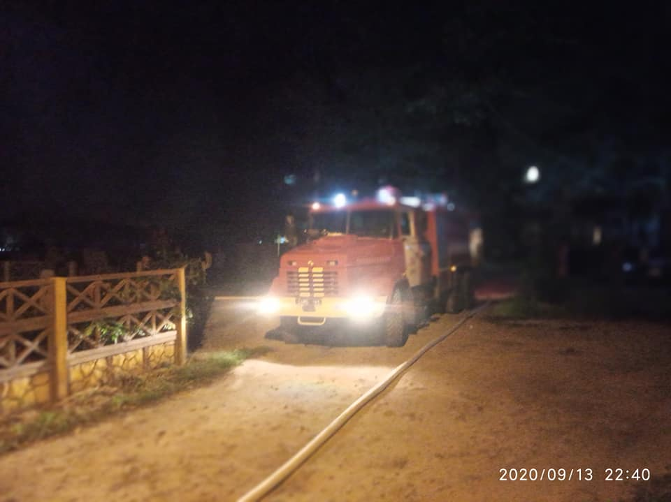 Узкие проезды и нет гидранта - в Ирпене пожар уничтожил дом, погиб человек