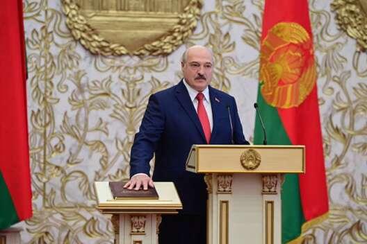 Лукашенко призвал запретить госслужбу для получателей зарубежных грантов-1200x800