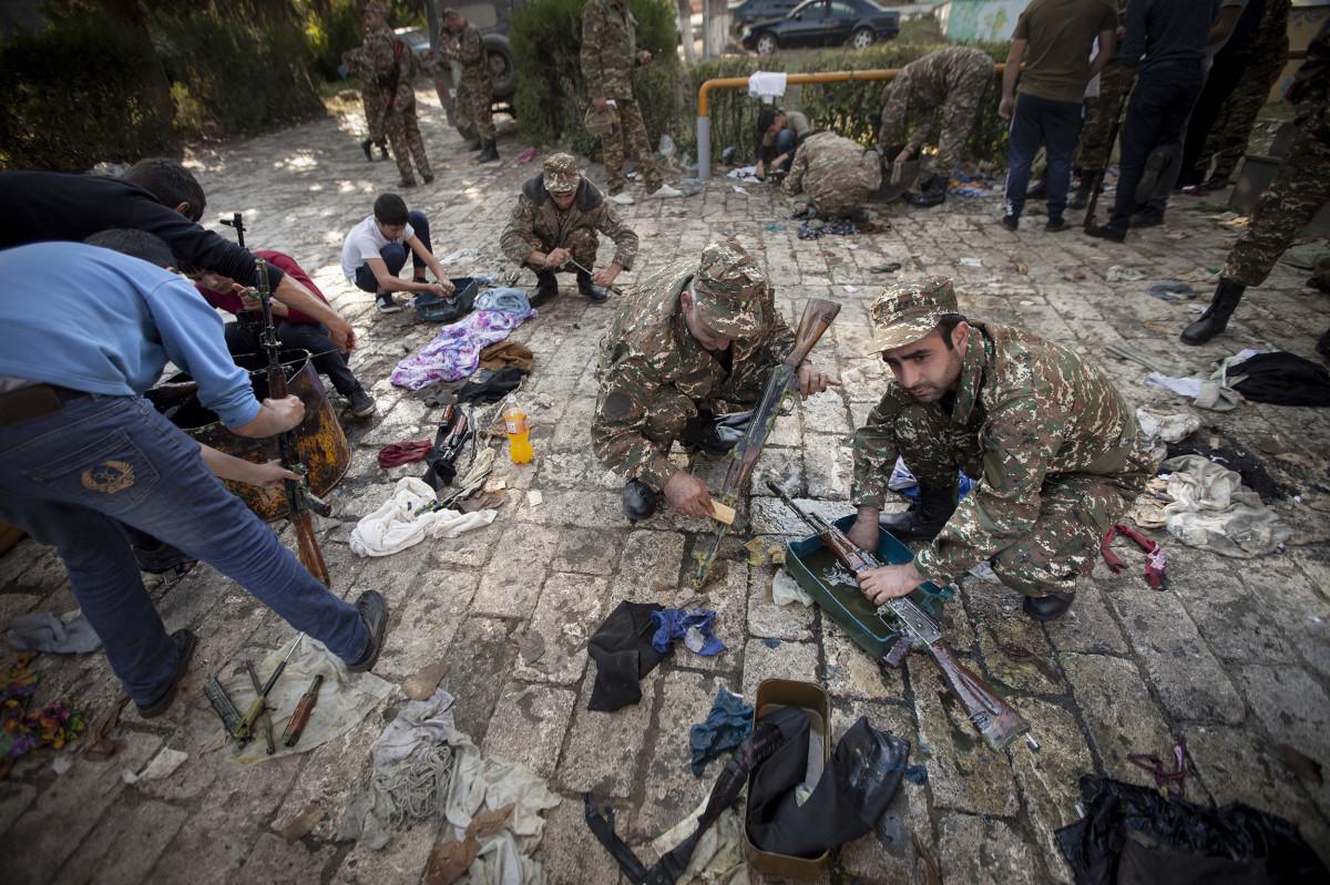 Война в Карабахе - Великобритания и Канада поддержали заявление США