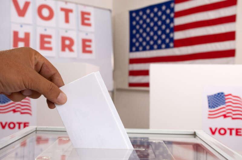Главное за день: явка на выборах, опрос от Зеленского и удаленка в школах - фото 7