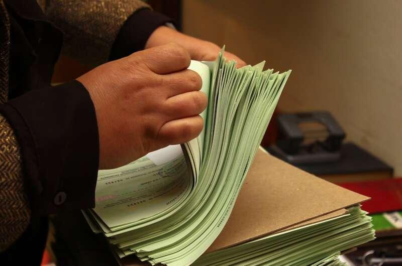 Местные выборы в Мариуполе под угрозой - бюллетени оказались бракованными-800x530