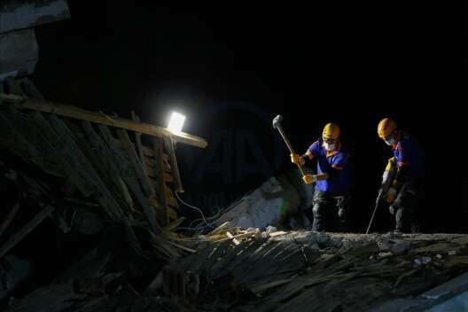 Число жертв землетрясения в Турции возросло до 24 - фото 1