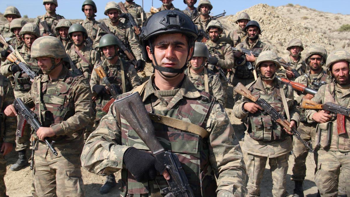 Войска Азербайджана вошли в приграничный с Карабахом Агдам