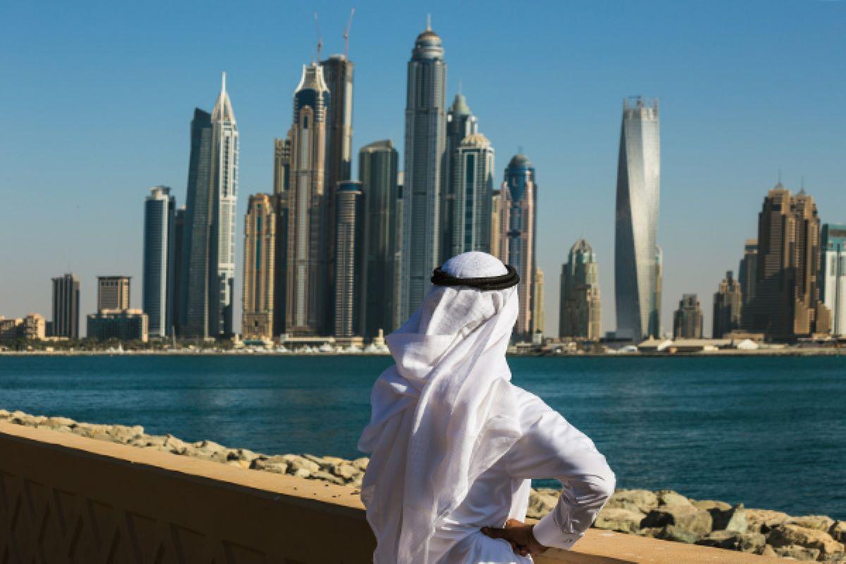17 девушек арестовали из-за обнаженной фотосессии на балконе в Дубае