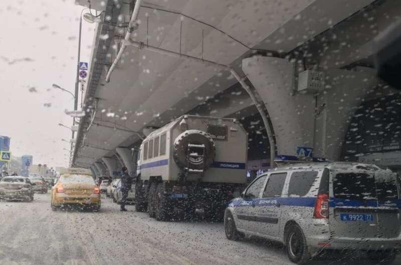 В России ко встрече Навального приготовили автозаки-800x530