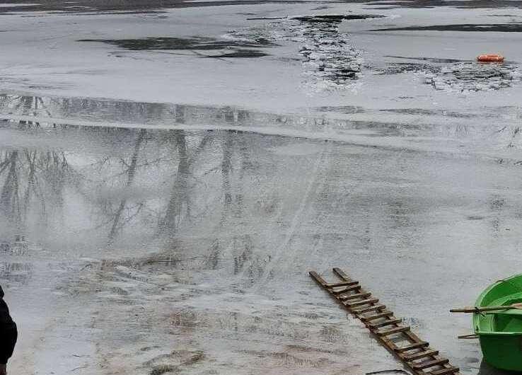 В Украине три рыбака погибли, провалившись под лед-800x530