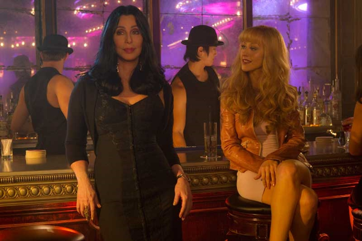 Золотой глобус уже не тот: кинокритики погорели из-за Эмили в Париже - фото 3