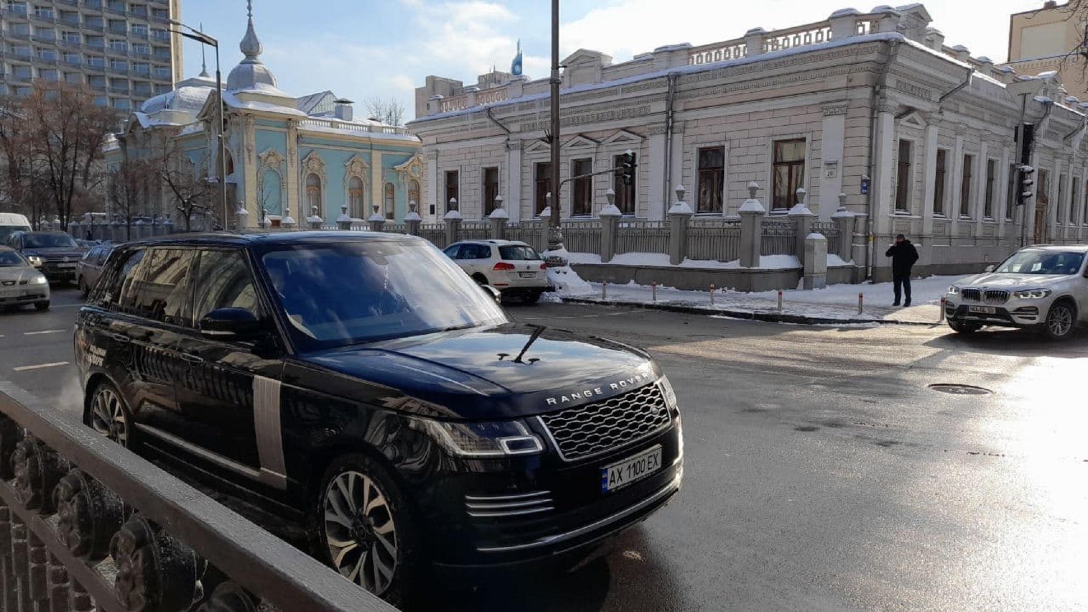 """Колеса власти: на какие авто пересели депутаты, """"живущие на одну зарплату"""" - фото 21"""