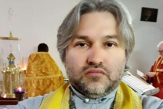 Полтавскому священнику-порохоботу прихожанки подарили квартиру и дом-1200x800