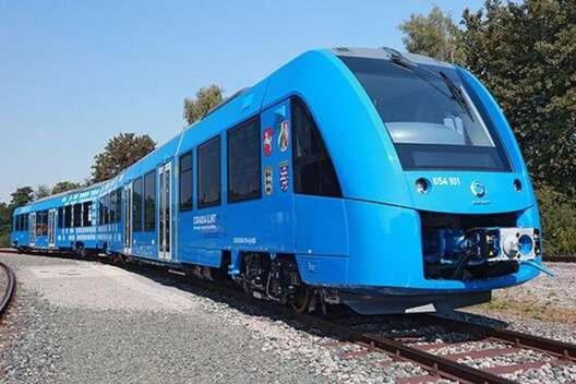 В Германии запустят водородный поезд Coradia iLint-1200x800