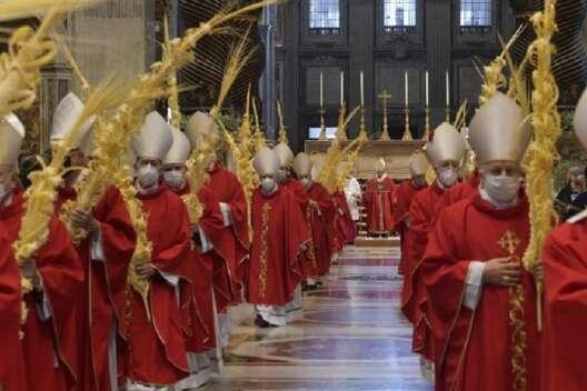 Папа Франциск без маски провел службу в честь Вербного воскресенья-1200x800