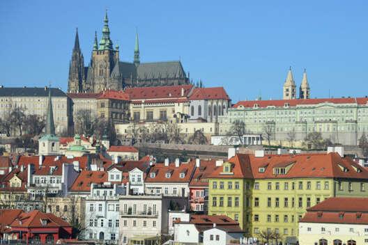 СМИ рассказали о предполагаемой цели взрыва склада в Чехии-1200x800