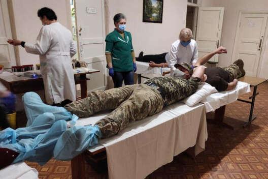 За прошедшие сутки в ВСУ зафиксировали 55 случаев заражения коронавирусом-1200x800