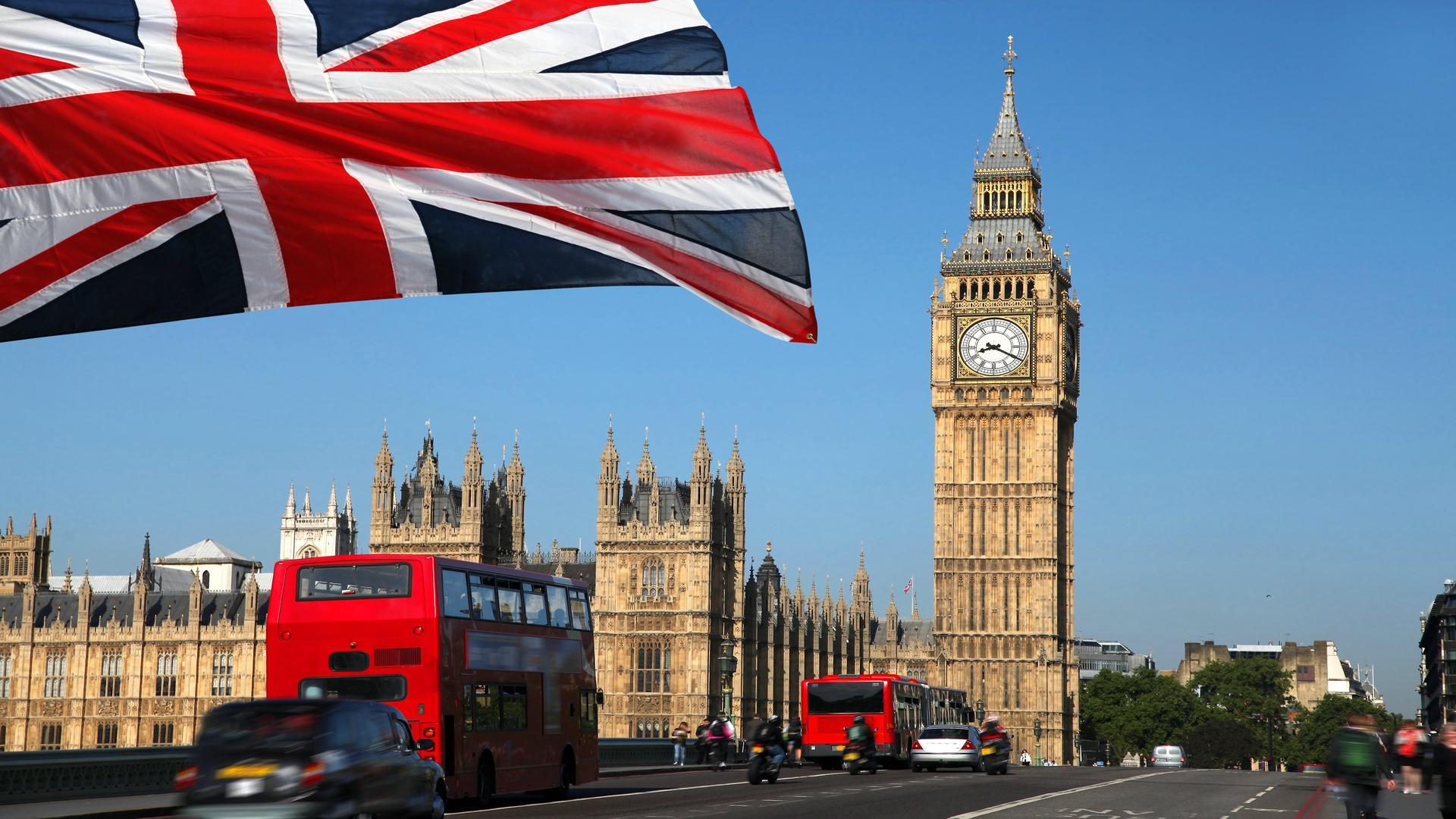 Великобритания откроет в мае границы для своих граждан