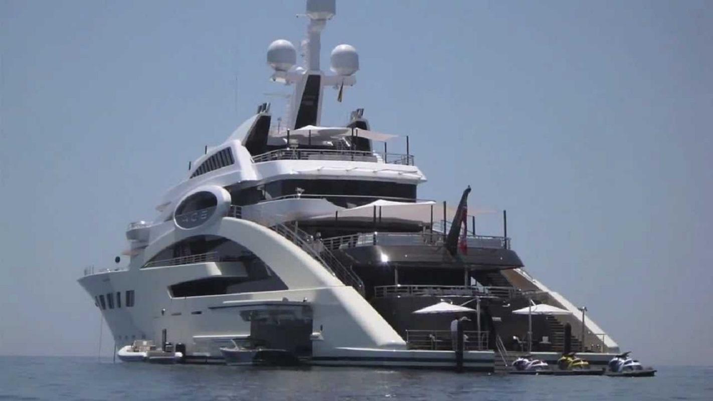 Друг Порошенко олигарх Косюк продает яхту за 119 млн евро