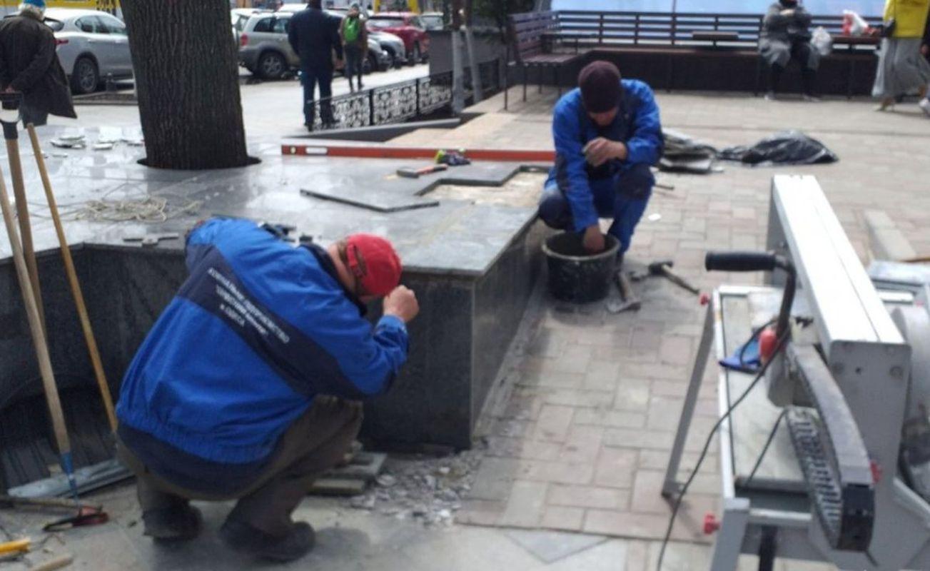 Вандалы повредили памятник Вере Холодной в Одессе - фото 2