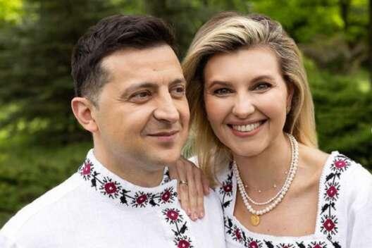 Зеленский выложил фото в косоворотке в День вышиванки-1200x800