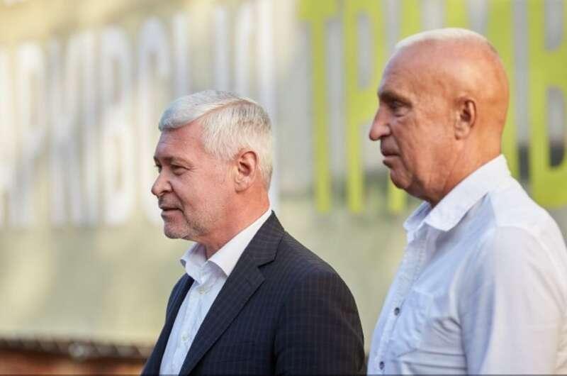 Комиксы, венки, косплей Кернеса: как в Харькове идет предвыборная кампания