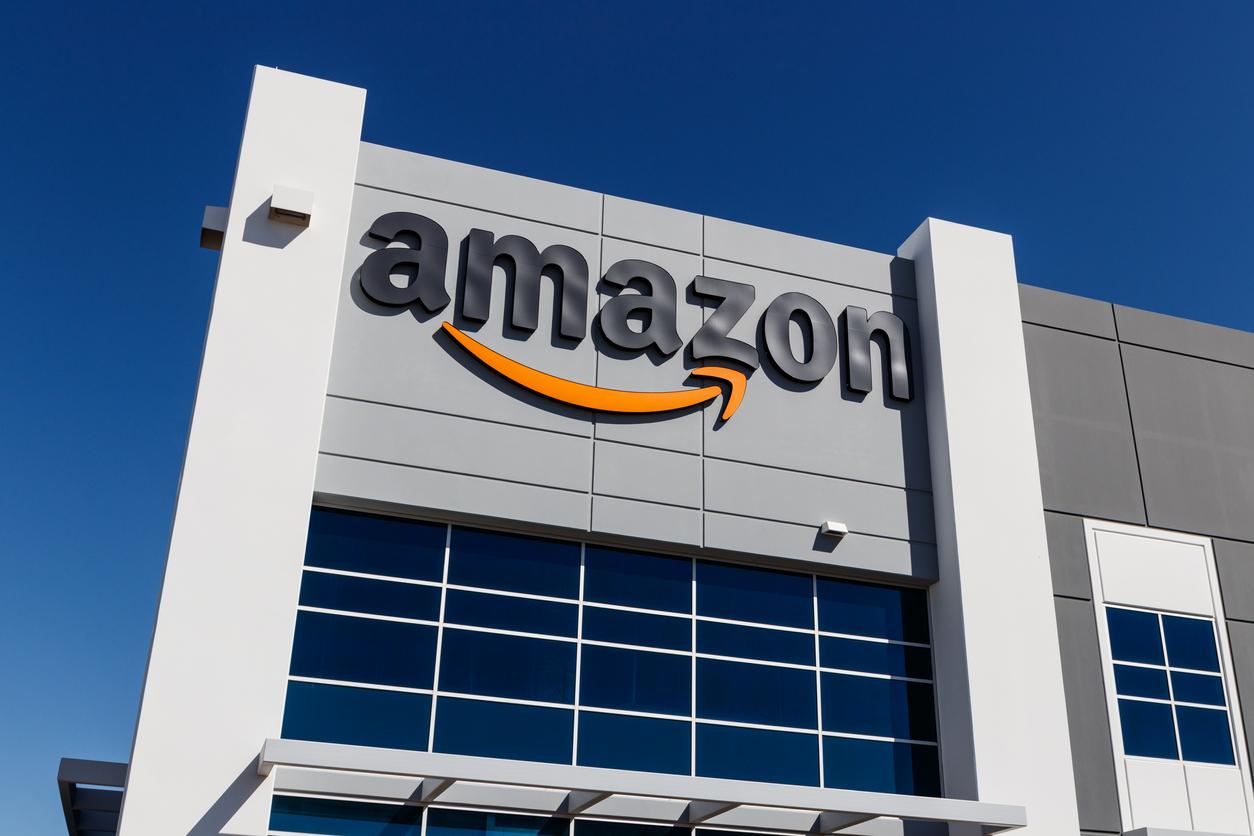 Amazon обвинили в гендерной и расовой дискриминации