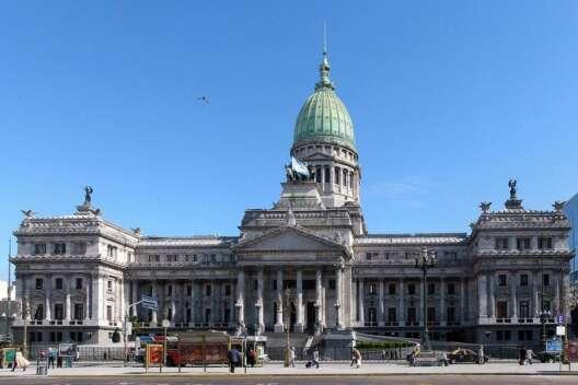 В Аргентине договорились перенести парламентские выборы-1200x800