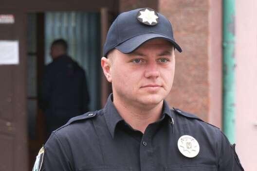 В Ровно женщина искусала патрульного из-за не надетой маски-1200x800