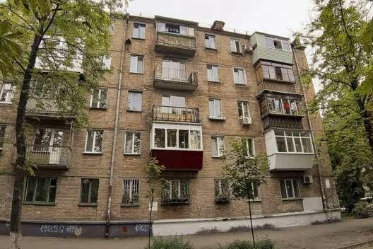 Ломать или строить: в Украине будут реконструировать хрущевки и сталинки-1200x800