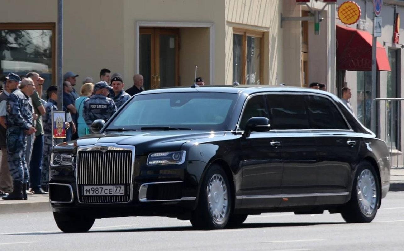 Запас крови и защита от радиации: сравниваем лимузины Байдена и Путина - фото 2