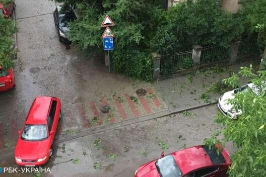 Ураганный ветер и город без света: Львов накрыла буря-1200x800